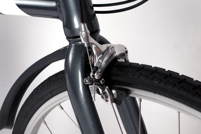 Urban-brake-caliper-and-fender-closeup