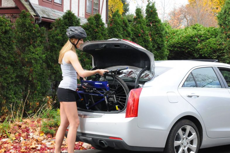 Para-Express-into-car-trunk